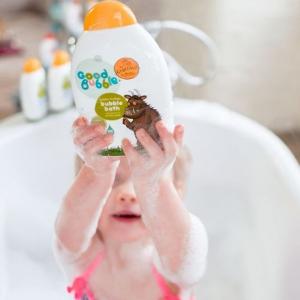 Sữa tắm tạo bọt hương lê gai