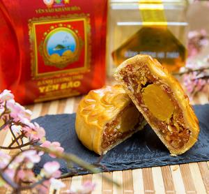 Bánh trung thu Yến Sào Khánh Hòa hộp quà tặng (Hộp 6 bánh x 120g)