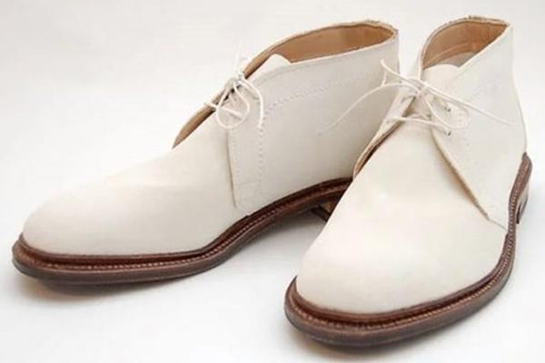 4 cách làm sạch giày da trắng như mới! Bạn có biết?