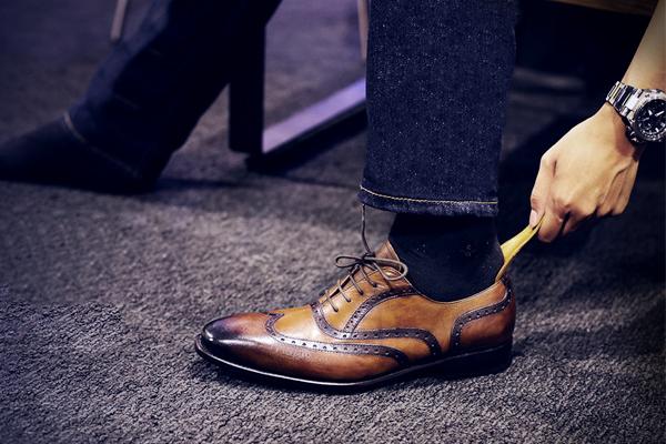 Xu hướng giày da mới nhất năm 2020? Bạn có biết?