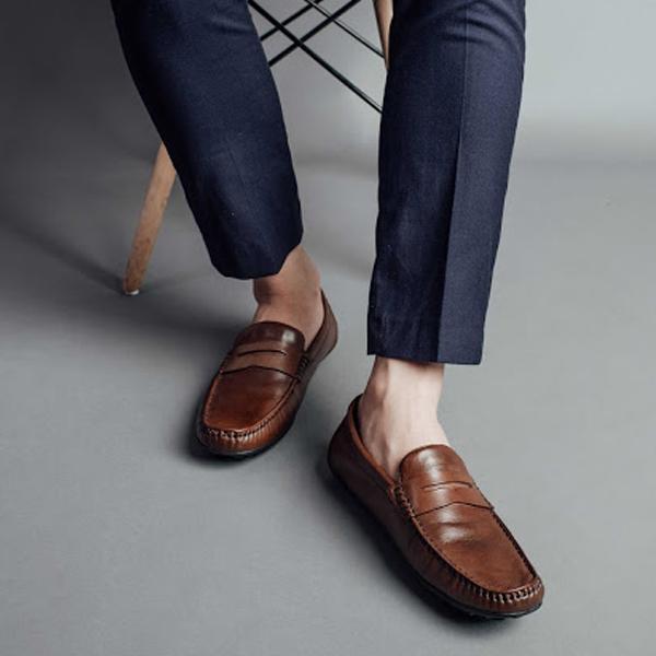Những lưu ý khi mua giày lười chính hãng chuẩn nhất? Bạn có biết?