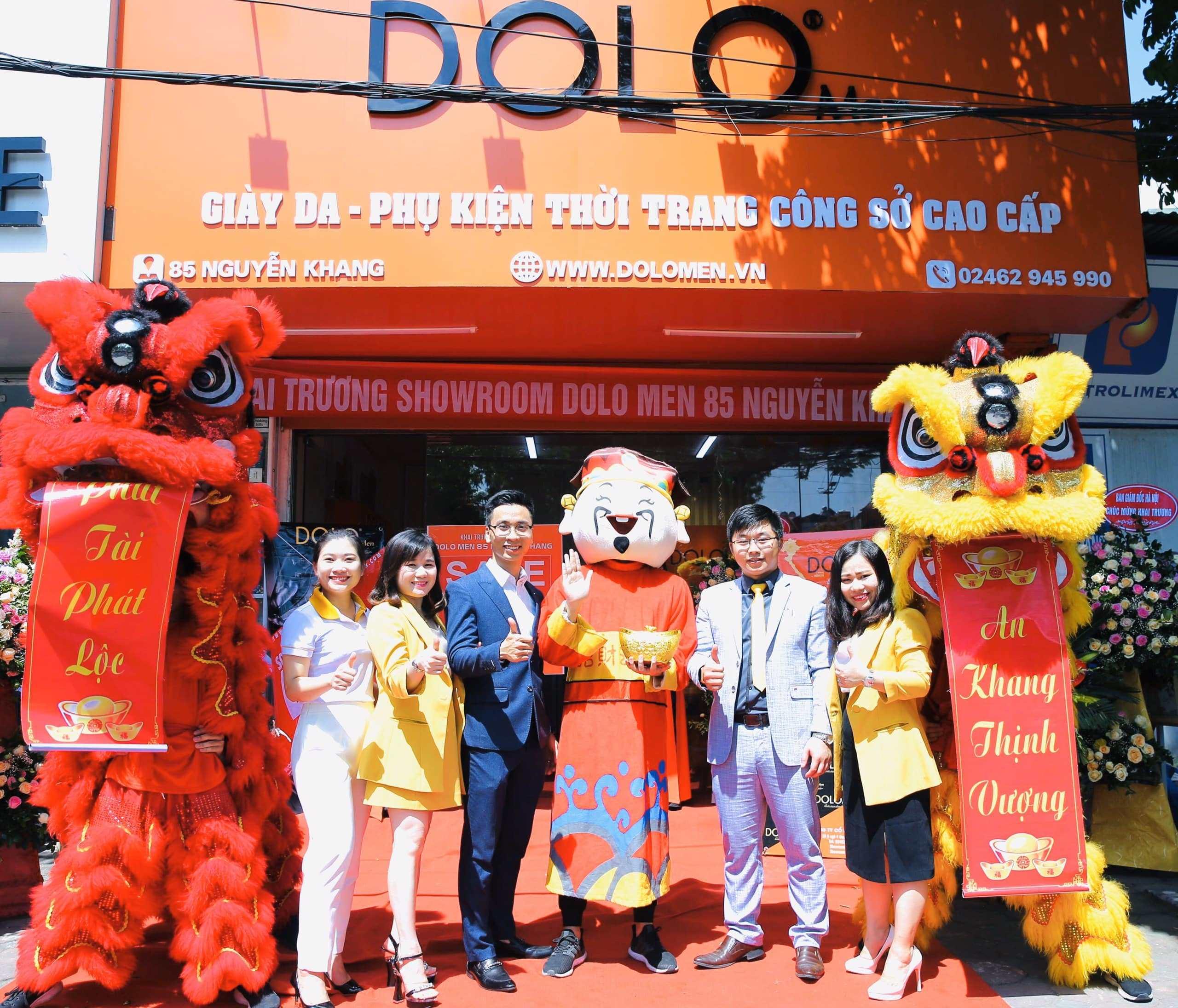 DOLO Men Tưng Bừng Khai Trương Showroom 85 Nguyễn Khang