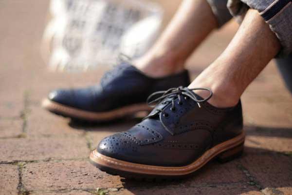 5 cách giúp bạn trẻ ra nhờ giày da bạn nên biết !