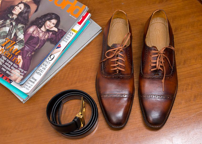 Mẫu giày da đẹp 2021