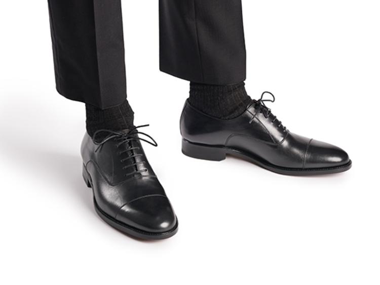 Phối màu giày với quần áo: Bí quyết tôn bật phong cách
