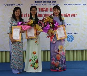 Sát cánh cùng gia đình Việt đoạt giải 3 giải báo chí Đồng bằng sông Cửu Long năm 2017
