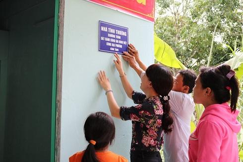 Trao tặng ngôi nhà mơ ước cho gia đình anh Thoàn- Đồng Tháp