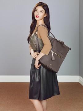Là sao teen đình đám nhất nhì màn ảnh Hàn, Kim Yoo Jung ngày càng nhận được nhiều hợp đồng làm người