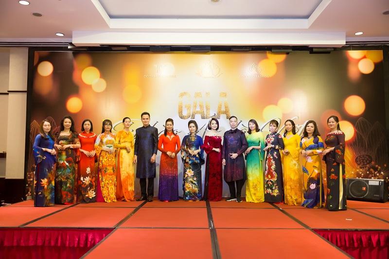 NTK Đỗ Trịnh Hoài Nam truyền cảm hứng tại Gala Tự hào Áo dài Việt