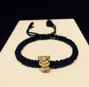 vòng dây tết đen charm hổ vàng 24k