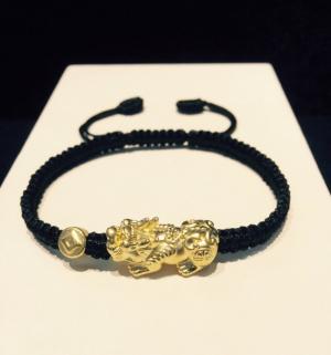 Vòng dây tết đen charm Tỳ hưu + xu kim tiền vàng 24k