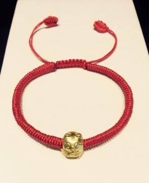 Vòng dây tết đỏ charm mèo thần tài vàng 24k