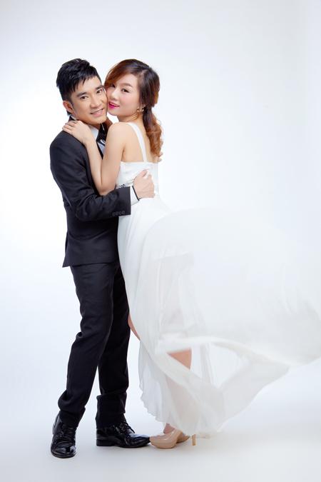 """Hé lộ ảnh cưới của Quang Hà với """"tình mới"""""""