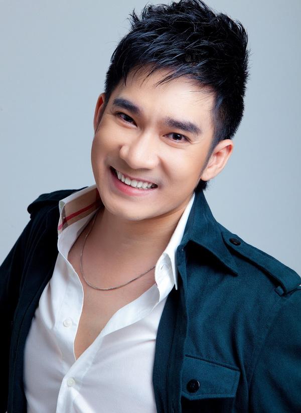 Ca sĩ Quang Hà trở lại Hà Nội sau 10 năm lập nghiệp