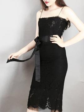 Đầm đen ren body