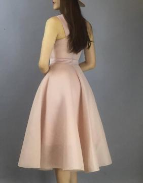 Đầm hồng xòe