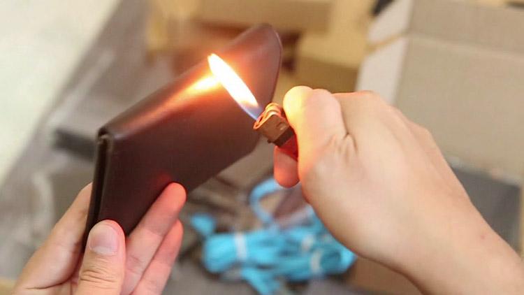 Đồ da đốt có cháy không