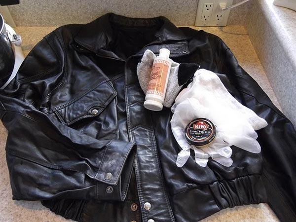 Hướng dẫn từng bước bảo quản áo da khi không sử dụng