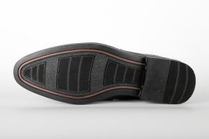 Sục da nam FTT Leather màu đen - mẫu giày mùa hè F040340