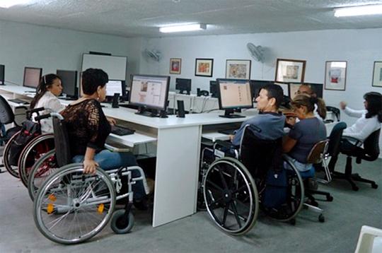 Công nghệ thông tin hướng đi mới cho người khuyết tật