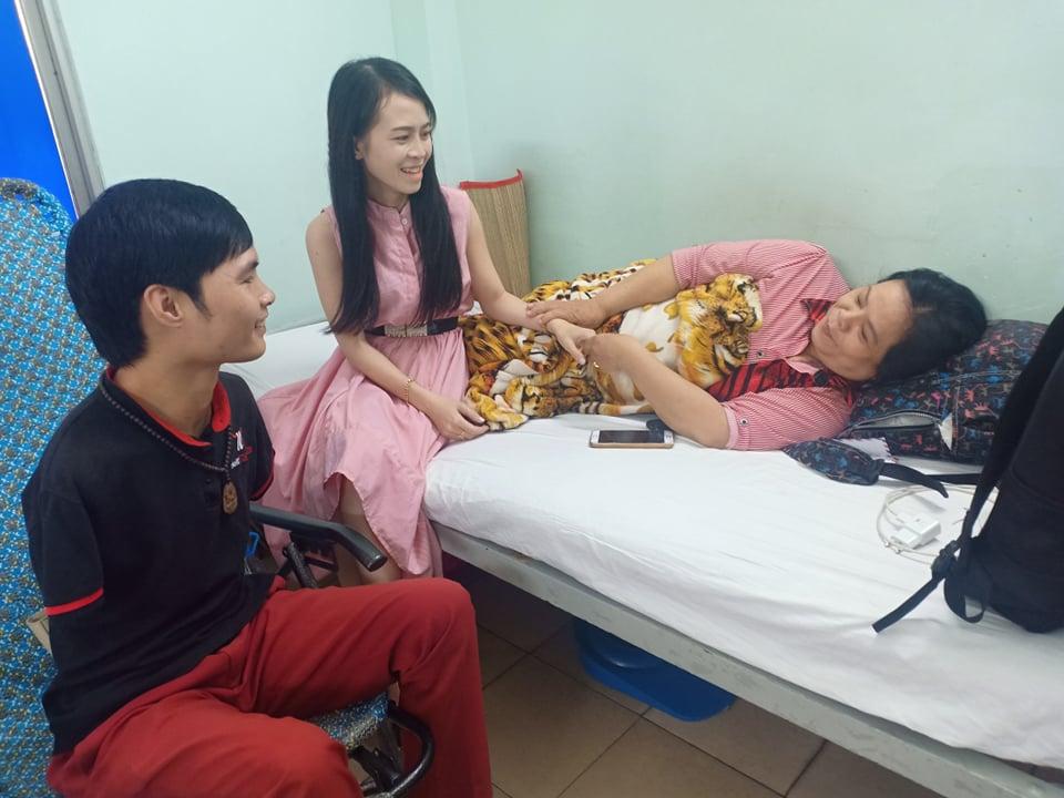 Thăm chị Hoài Thương tại Bệnh viện Nguyễn Tri Phương