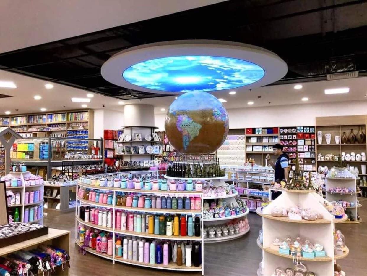 Hội sách tại Tân Việt Bookstore