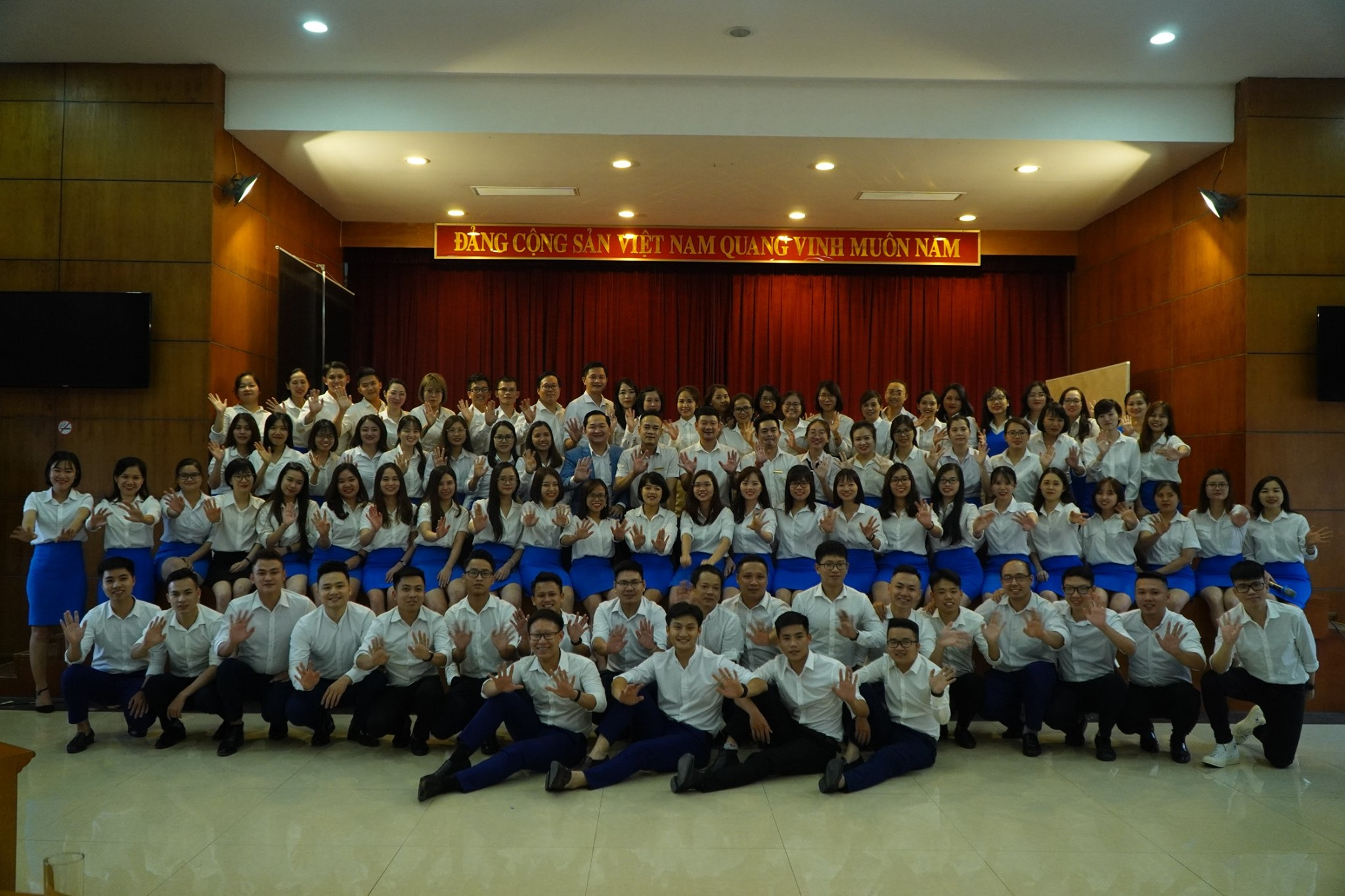 Lớp học siêu to khổng lồ cùng các anh chị em Ocean Edu.