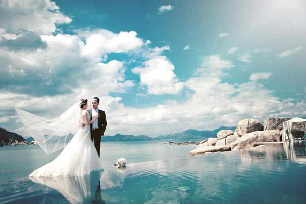 Chụp ảnh cưới với biển - địa điểm lí tưởng cho bộ ảnh cưới tuyệt vời